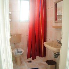 Отель Angela Thalia Apartments Греция, Калимнос - отзывы, цены и фото номеров - забронировать отель Angela Thalia Apartments онлайн ванная