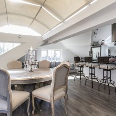 Отель onefinestay - Hampstead private homes гостиничный бар