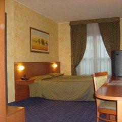 Point Hotel Conselve Консельве комната для гостей