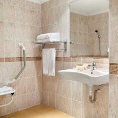 Отель Ramada Sofia City Center ванная фото 2