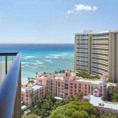 Отель Waikiki Beachcomber by Outrigger пляж фото 2