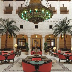Отель Movenpick Resort Petra Иордания, Вади-Муса - 1 отзыв об отеле, цены и фото номеров - забронировать отель Movenpick Resort Petra онлайн интерьер отеля
