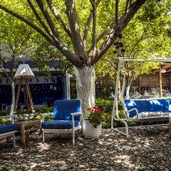 Blue & White Hotel фото 6
