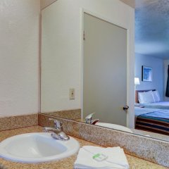 Отель Good Nite Inn Sylmar США, Лос-Анджелес - отзывы, цены и фото номеров - забронировать отель Good Nite Inn Sylmar онлайн ванная фото 2