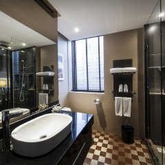 Отель The Continent Bangkok by Compass Hospitality ванная