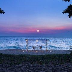 Отель Holiday Inn Resort Phuket Mai Khao Beach пляж Май Кхао приотельная территория