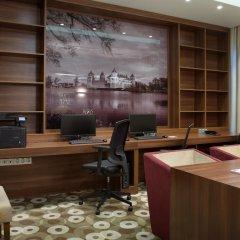 Гостиница Hampton by Hilton Minsk City Center интерьер отеля фото 3