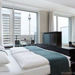 Отель Holiday Inn Berlin - Centre Alexanderplatz Германия, Берлин - 10 отзывов об отеле, цены и фото номеров - забронировать отель Holiday Inn Berlin - Centre Alexanderplatz онлайн комната для гостей