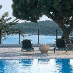 Отель Vouliagmeni Suites бассейн фото 3