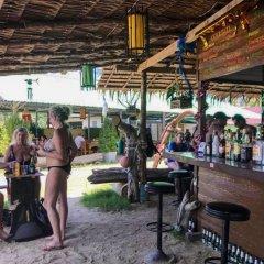 Отель Mermaid Beachfront Resort Ланта гостиничный бар