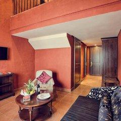 Отель Mercure Danang French Village Bana Hills Вьетнам, Дананг - отзывы, цены и фото номеров - забронировать отель Mercure Danang French Village Bana Hills онлайн комната для гостей фото 3