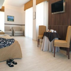 Hotel Mondial Порто Реканати комната для гостей фото 5