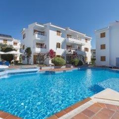 Отель Aparthotel Flora Испания, Полленса - 1 отзыв об отеле, цены и фото номеров - забронировать отель Aparthotel Flora онлайн бассейн фото 2