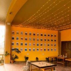Отель Zostel Pokhara Непал, Покхара - отзывы, цены и фото номеров - забронировать отель Zostel Pokhara онлайн интерьер отеля фото 2