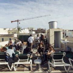Отель Granny's Inn - Hostel Мальта, Слима - отзывы, цены и фото номеров - забронировать отель Granny's Inn - Hostel онлайн помещение для мероприятий фото 2