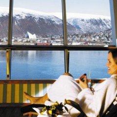Radisson Blu Polar Hotel Spitsbergen Тромсе бассейн