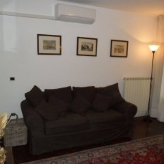 Апартаменты Sunny Venice Apartment Венеция комната для гостей фото 2