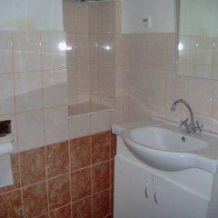 Отель Hostel Lucy Сербия, Белград - отзывы, цены и фото номеров - забронировать отель Hostel Lucy онлайн ванная