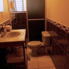 Отель Boutique Posada Las Iguanas Гондурас, Тела - отзывы, цены и фото номеров - забронировать отель Boutique Posada Las Iguanas онлайн ванная фото 2