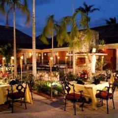 Отель Hilton Rose Hall Resort & Spa - All Inclusive Ямайка, Монтего-Бей - отзывы, цены и фото номеров - забронировать отель Hilton Rose Hall Resort & Spa - All Inclusive онлайн питание