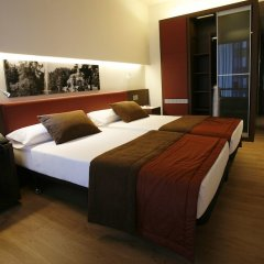 Ayre Gran Hotel Colon сейф в номере