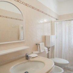 Отель Bagli - Cristina Италия, Римини - отзывы, цены и фото номеров - забронировать отель Bagli - Cristina онлайн ванная
