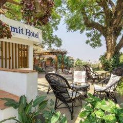 Отель Summit Hotel Непал, Лалитпур - отзывы, цены и фото номеров - забронировать отель Summit Hotel онлайн бассейн фото 3