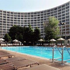 Отель Hampton Inn Meridian бассейн