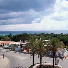 Отель Muthu Oura Praia Hotel Португалия, Албуфейра - 1 отзыв об отеле, цены и фото номеров - забронировать отель Muthu Oura Praia Hotel онлайн пляж фото 2
