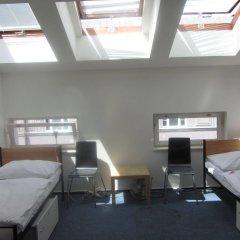 Отель Hostel and Apartment Blue88 Чехия, Прага - отзывы, цены и фото номеров - забронировать отель Hostel and Apartment Blue88 онлайн комната для гостей