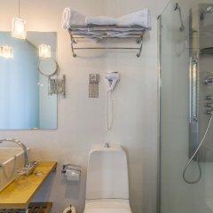Отель Petit Palace Posada Del Peine Испания, Мадрид - 4 отзыва об отеле, цены и фото номеров - забронировать отель Petit Palace Posada Del Peine онлайн ванная
