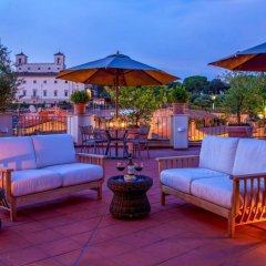 Отель The Inn at the Spanish Steps - Small Luxury Hotels Италия, Рим - отзывы, цены и фото номеров - забронировать отель The Inn at the Spanish Steps - Small Luxury Hotels онлайн гостиничный бар