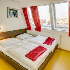 Отель a&t Holiday Hostel Австрия, Вена - 9 отзывов об отеле, цены и фото номеров - забронировать отель a&t Holiday Hostel онлайн комната для гостей фото 3