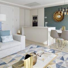 Апартаменты La Concha Attic Apartment by FeelFree Rentals комната для гостей фото 4