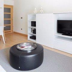 Отель Hondarribi 63C Apartment by FeelFree Rentals Испания, Фуэнтеррабиа - отзывы, цены и фото номеров - забронировать отель Hondarribi 63C Apartment by FeelFree Rentals онлайн комната для гостей фото 3