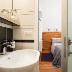 Отель near Duomo Италия, Милан - отзывы, цены и фото номеров - забронировать отель near Duomo онлайн ванная