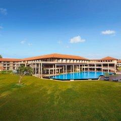 Отель Cinnamon Bey Шри-Ланка, Берувела - 1 отзыв об отеле, цены и фото номеров - забронировать отель Cinnamon Bey онлайн гостиничный бар