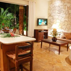 Отель Porto Playa Condo Hotel & Beachclub Мексика, Плая-дель-Кармен - отзывы, цены и фото номеров - забронировать отель Porto Playa Condo Hotel & Beachclub онлайн интерьер отеля фото 2