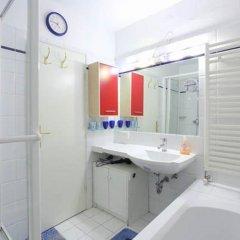 Отель Mariahilf - 4rooms4you Австрия, Вена - отзывы, цены и фото номеров - забронировать отель Mariahilf - 4rooms4you онлайн ванная