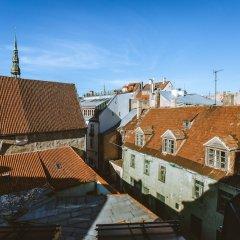 Отель Bearsleys Blacksmith Apartments Латвия, Рига - отзывы, цены и фото номеров - забронировать отель Bearsleys Blacksmith Apartments онлайн приотельная территория