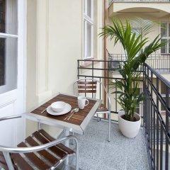 Отель Old Town - Dusni Apartments Чехия, Прага - отзывы, цены и фото номеров - забронировать отель Old Town - Dusni Apartments онлайн балкон