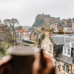 Отель Destiny Scotland - George Iv Apartments Великобритания, Эдинбург - отзывы, цены и фото номеров - забронировать отель Destiny Scotland - George Iv Apartments онлайн балкон