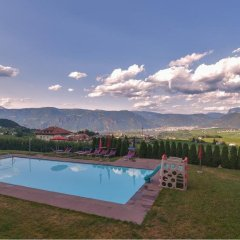 Отель Steinegger Аппиано-сулла-Страда-дель-Вино бассейн фото 3