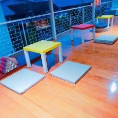 Baan Nampetch Hostel Бангкок фитнесс-зал фото 3