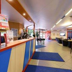 Отель a&o Berlin Kolumbus Германия, Берлин - 2 отзыва об отеле, цены и фото номеров - забронировать отель a&o Berlin Kolumbus онлайн фитнесс-зал фото 2