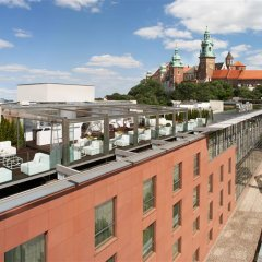 Отель Sheraton Grand Krakow Краков приотельная территория