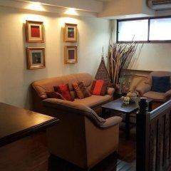 Отель Hansaah Guesthouse Бангкок комната для гостей