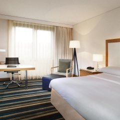 Sheraton Frankfurt Airport Hotel & Conference Center комната для гостей фото 9