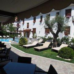 Hotel Due Torri Аджерола бассейн фото 2