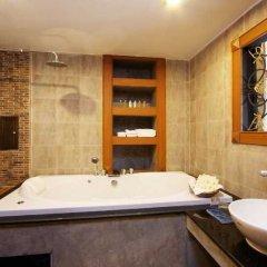 Отель Renoir Boutique Патонг ванная